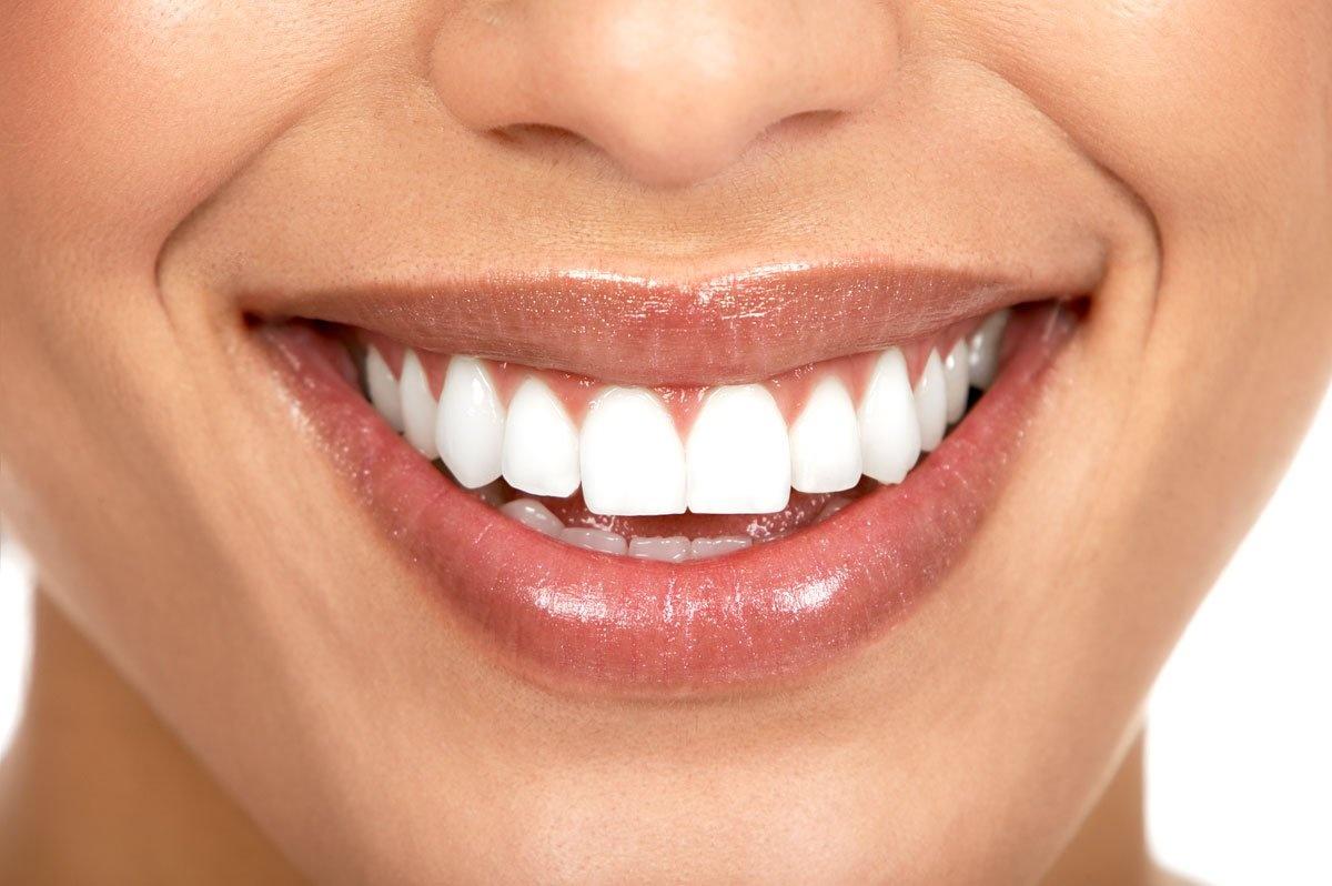 Как сделать чистые зубы