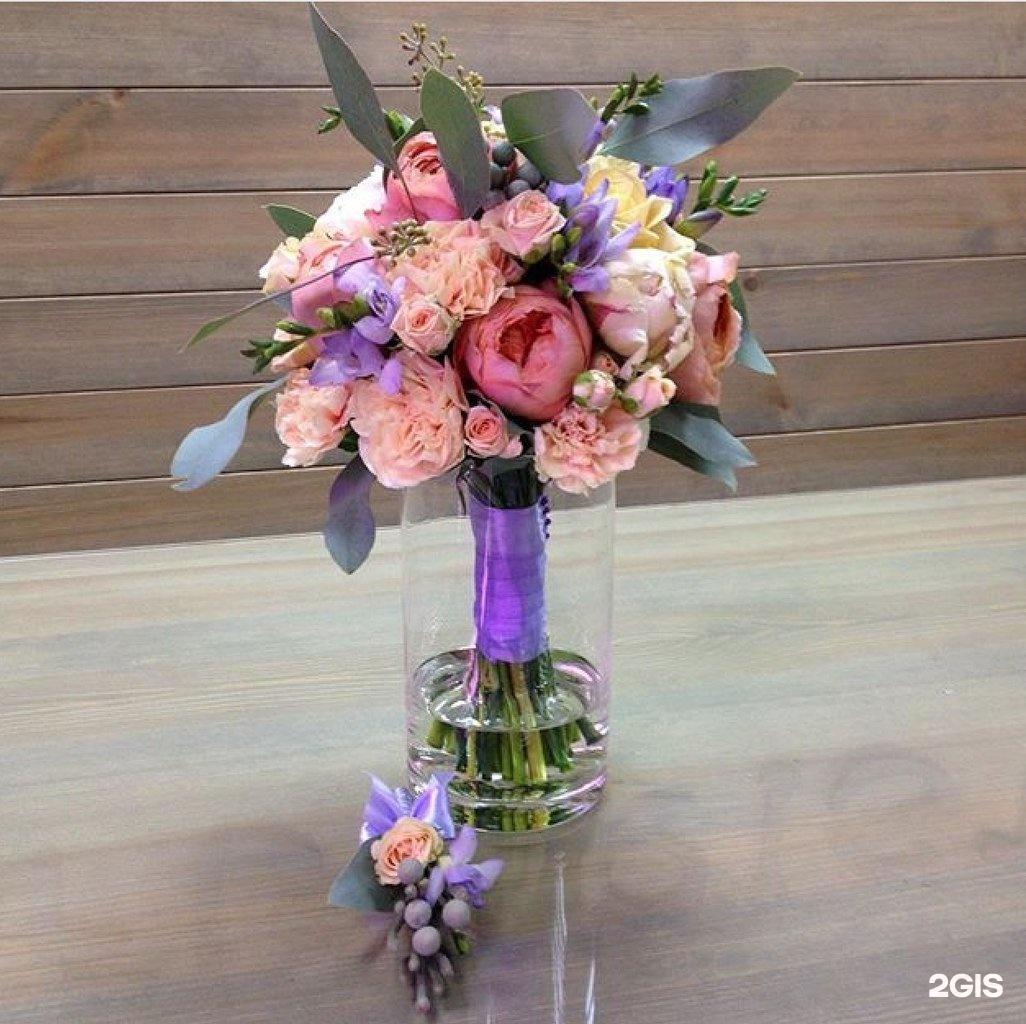 Цветы на руставели